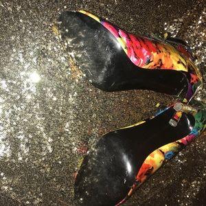 Steve Madden Cynthia Ghillie Floral heels